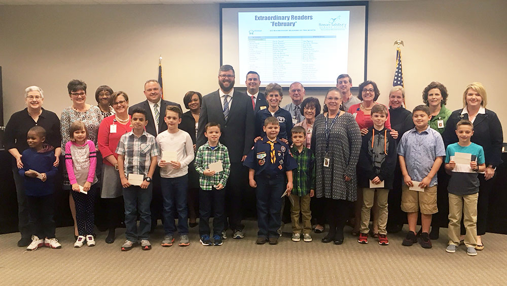 Elementary Extraordinary Readers with principals photo 2